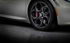 Kit de llantas en aleación delanteras de 18'' y traseras de 19'' para Alfa Romeo 4C