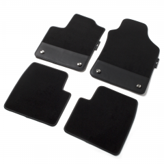 Kit de alfombrillas 595 de moqueta con detalle en cuero negro
